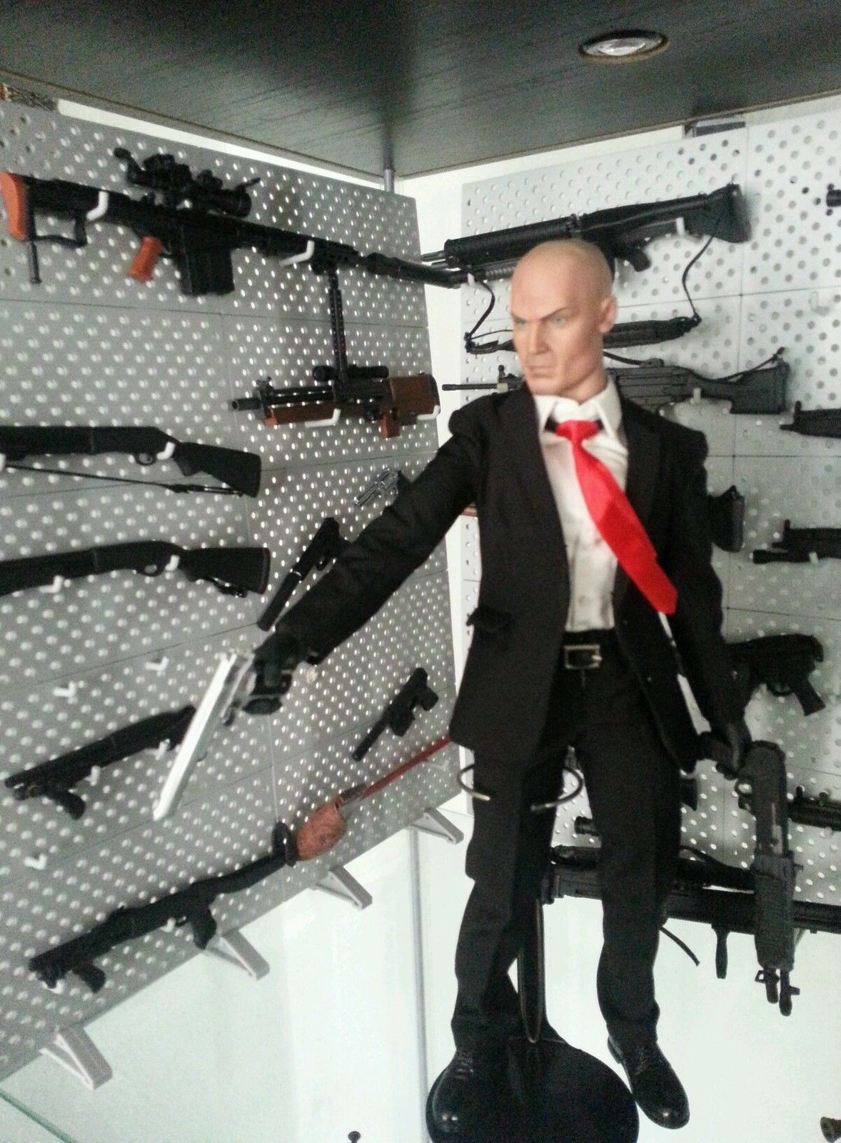 1 6 Custom Hitman With Guns And Stands Ebay Action Figures Hitman Custom Action Figures
