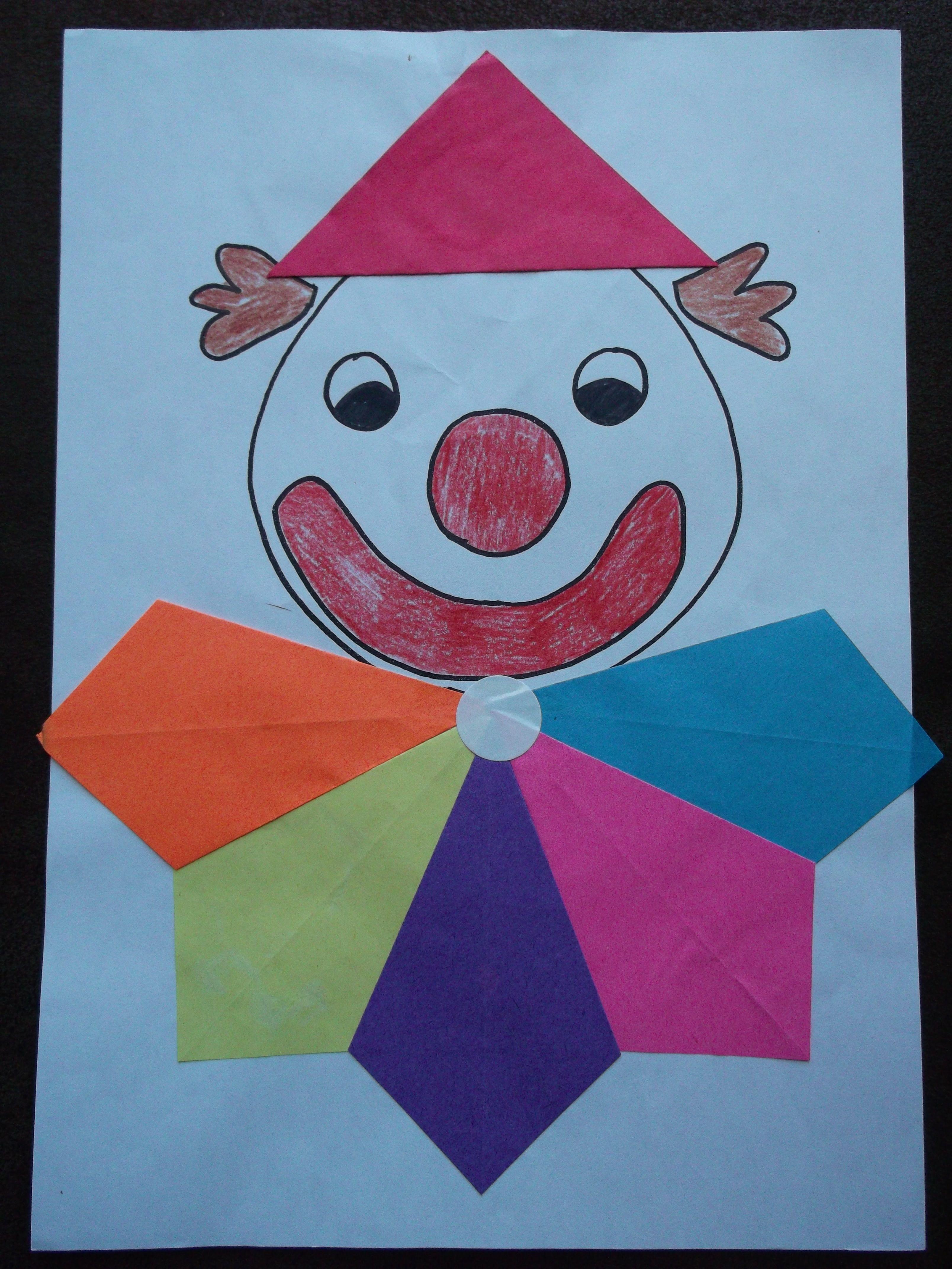 clowntje zijn kraag vouwen van vliegers basteln. Black Bedroom Furniture Sets. Home Design Ideas