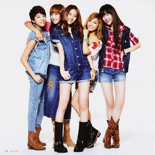 f(x): a girl group formed by S.M. Entertainment in 2009. The group made  their debut on September 5, 2009, with release of the dig… | Amazing women,  F(x), Girl group