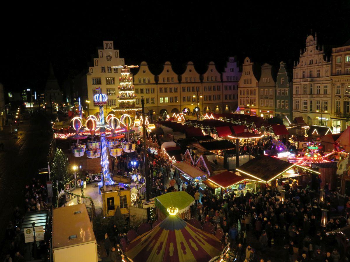 Weihnachtsmarkt Kempen.Rostocker Weihnachtsmarkt Vom Riesenrad Rostock Weihnachtsmarkt