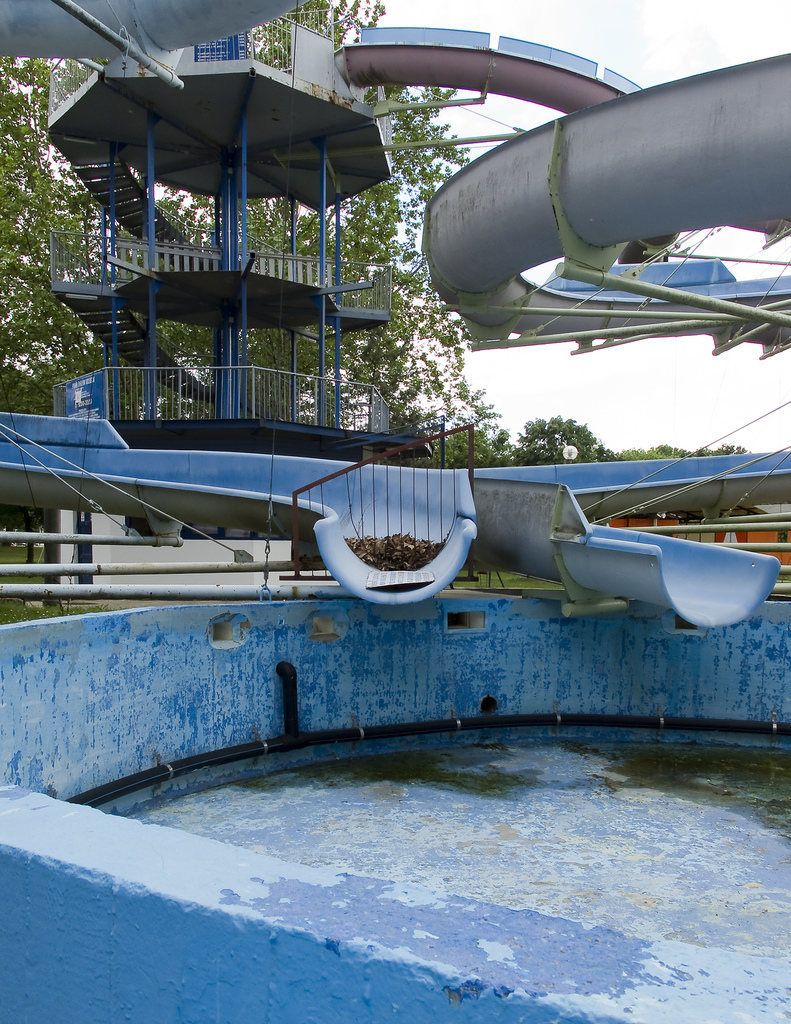 The Derelict Days Of Summer Abandoned Water Slides Around The World Abandoned Water Parks Abandoned Hotels Abandoned Amusement Parks