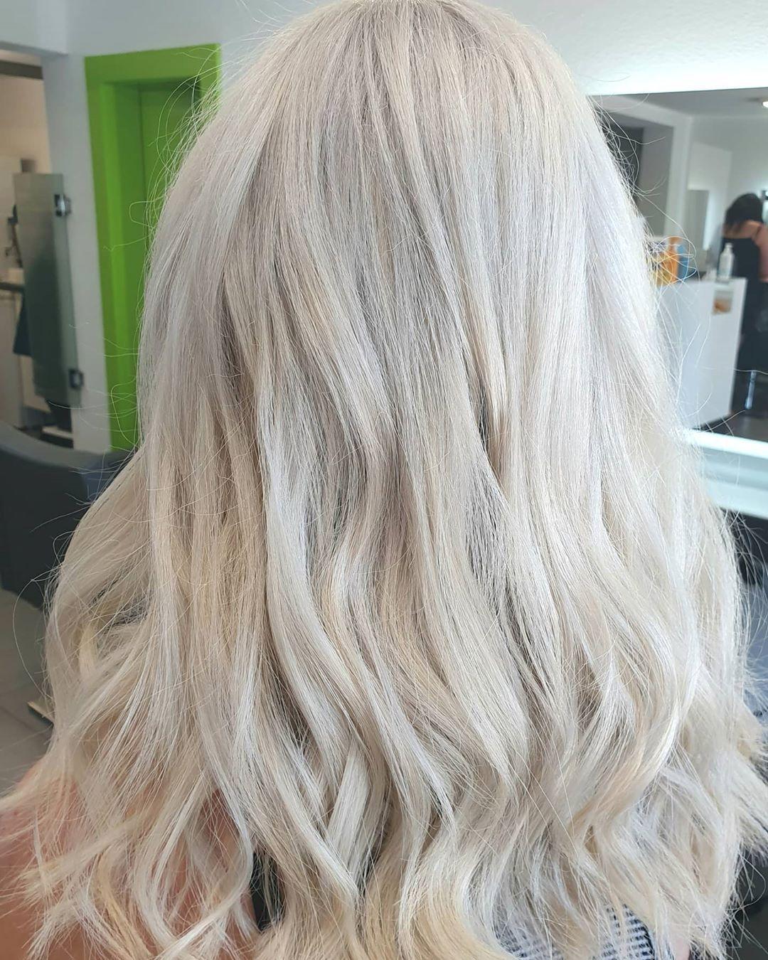 Pin By Ina Cedivav On Blonde Hair Bleached Hair Blonde Hair Coiffure