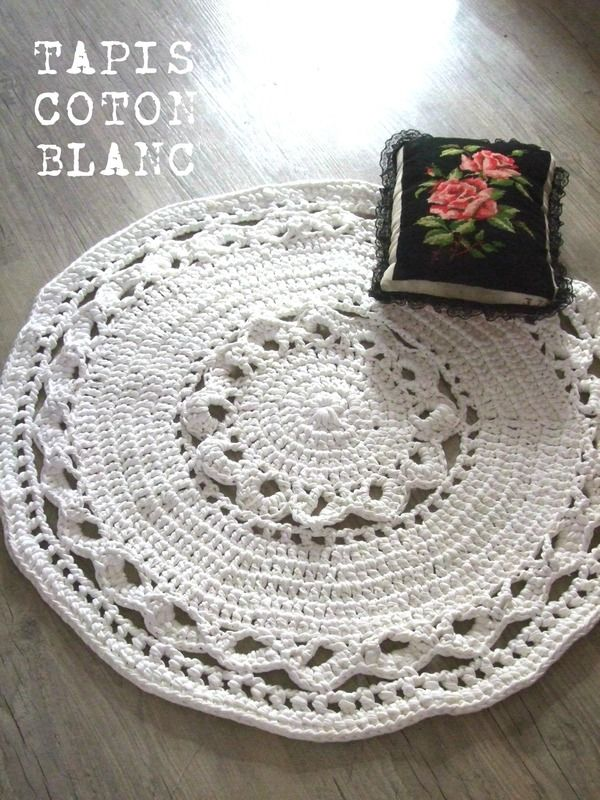tapis rond blanc style napperon g ant au crochet du crochet du tricot et hop pinterest. Black Bedroom Furniture Sets. Home Design Ideas