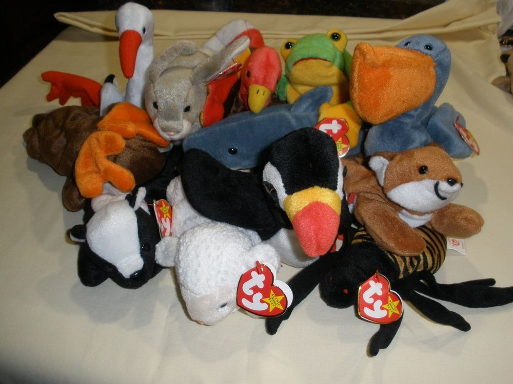 699267dc297 12 TY Beanie Babies New Tags Spinner Crunch Stinky Gobbles Stilts Smoochy  HOL99  Ty