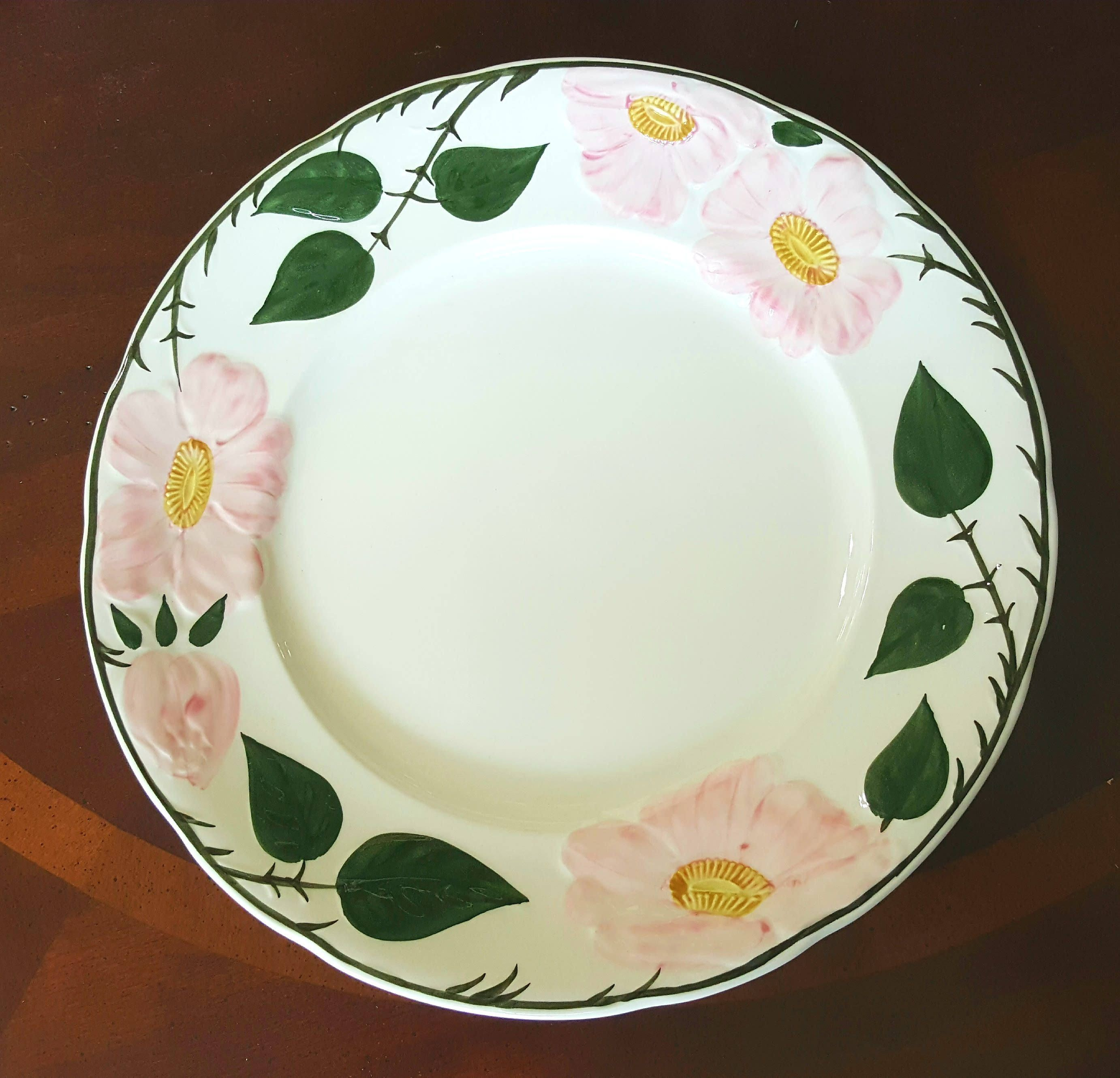 Villeroy Boch Dinner Plate Vintage China Set Wild Rose Collection Classy Tea China Wedding Gifts Replacement China Tableware China With Images Villeroy Boch Dinner Plates