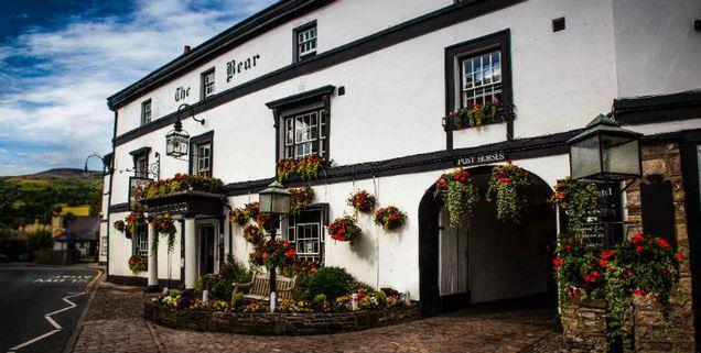 Luxury Hotel In The Heart Of Brecon Beacons Bear Crickhowell Welsh Rarebits