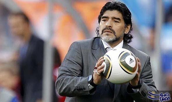 مارادونا يثير الانتباه خلال حفل المشاهير في شارك أسطورة كرة القدم الأرجنتيني المعتزل دييغو أرماندو مارادونا في اح Fictional Characters Sports Soccer Ball