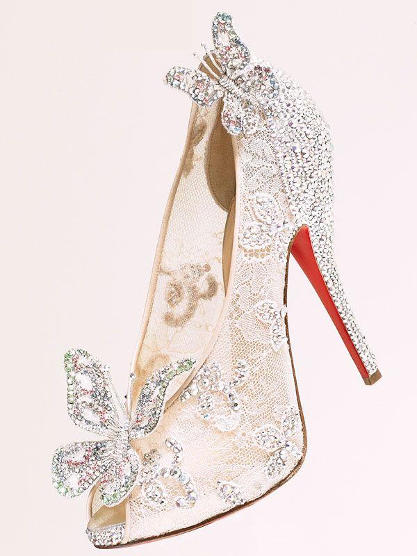 f0a3819dc1 O sapatinho de cristal da Cinderela feito por Christian Louboutin ...