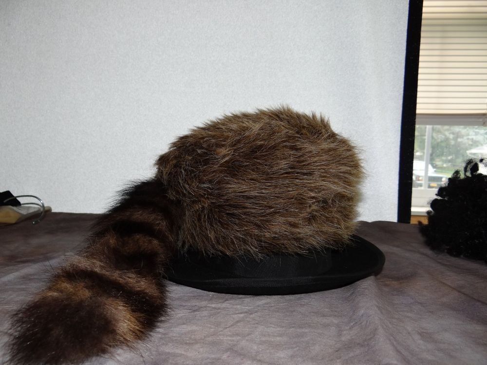 31a03ce00fb Daniel Boone Coon Skin Cap approximate size 7.5  fashion  clothing  shoes   accessories  costumesreenactmenttheater  accessories (ebay link)