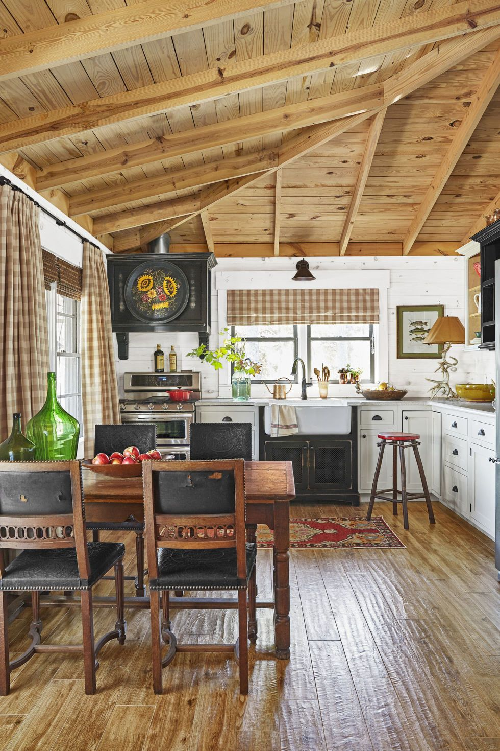The Inside Of This Alabama Cabin Will Make You Wish It Was Fall Asap Lake House Interior Lake House Kitchen Cabin Kitchens