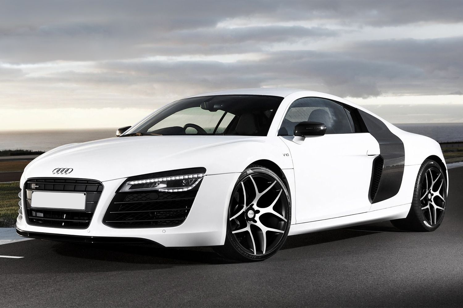 black and white audi r8 wedding transport | black and white