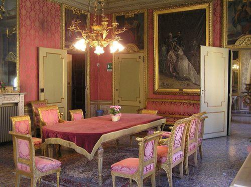 Casale Monferrato (AL) La Sala Rossa del Comune #TuscanyAgriturismoGiratola