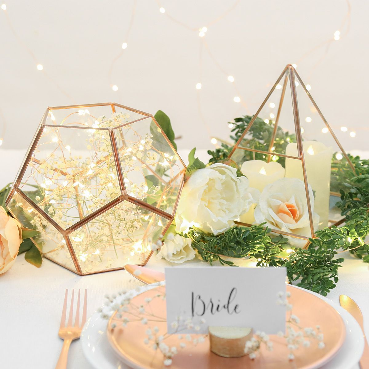 Looking For The Perfect Wedding Table Decor Try These Copper And Gold Terrariums Great To Use Brides Table Decorations Terrarium Wedding Wedding Centerpieces