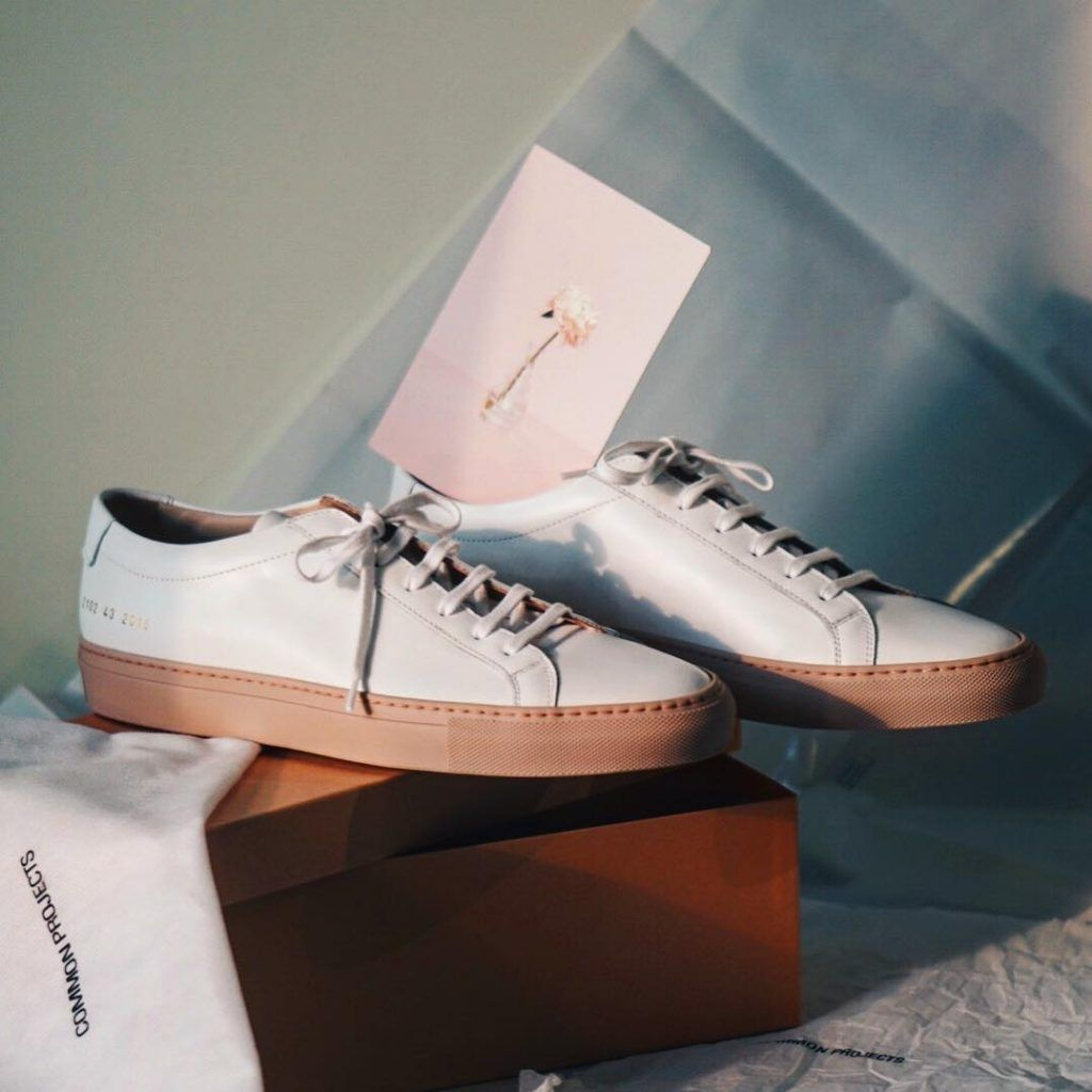 Common Projects Sneakers Gives