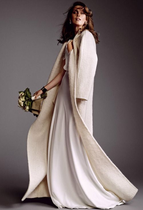 qué tal un abrigo de novia de paño? #innovias | boleros, estolas y