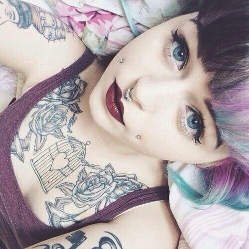 Septum and dimple (love her hair!) -CC