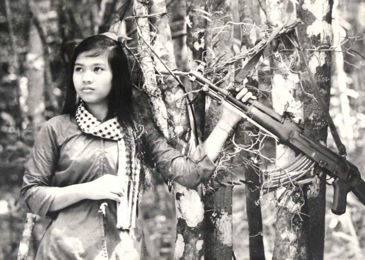 North vietnamese le minh truongm ak 47 historical pinterest north vietnamese le minh truongm ak 47 ccuart Gallery