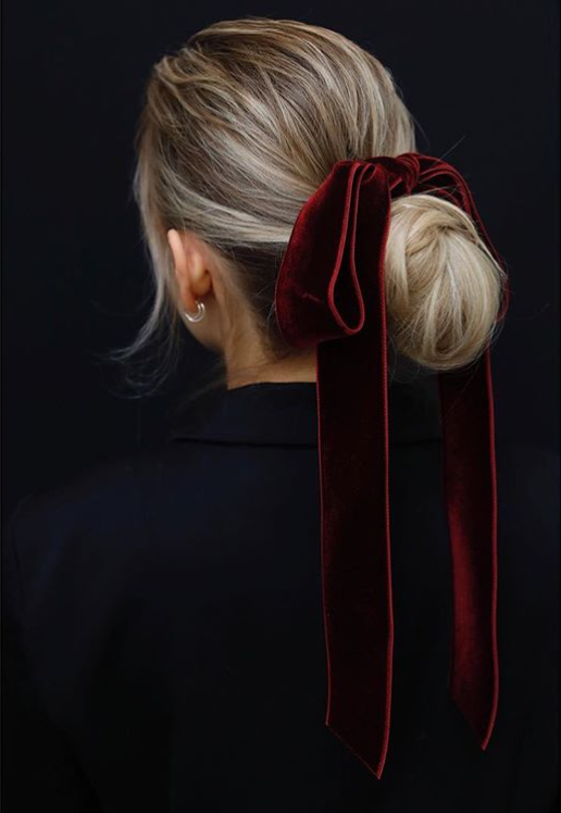 Yule style!! Noel Christmas! Winter Solstice!! HOT TREND 2018!! Velvet and satin hair ribbons! Here is a gorgeous elegant rich red velvet hair bow.