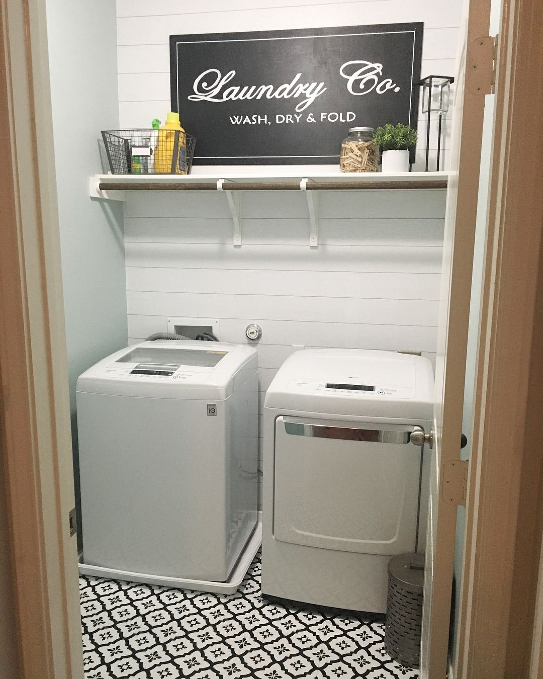 Laundry Room Makeover Using Peel And Stick Floor Tiles From