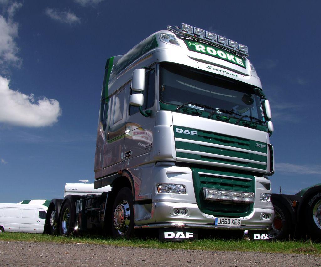 DAF XF 105-510 | Semi-Trailers | Trucks, Semi trailer, Big