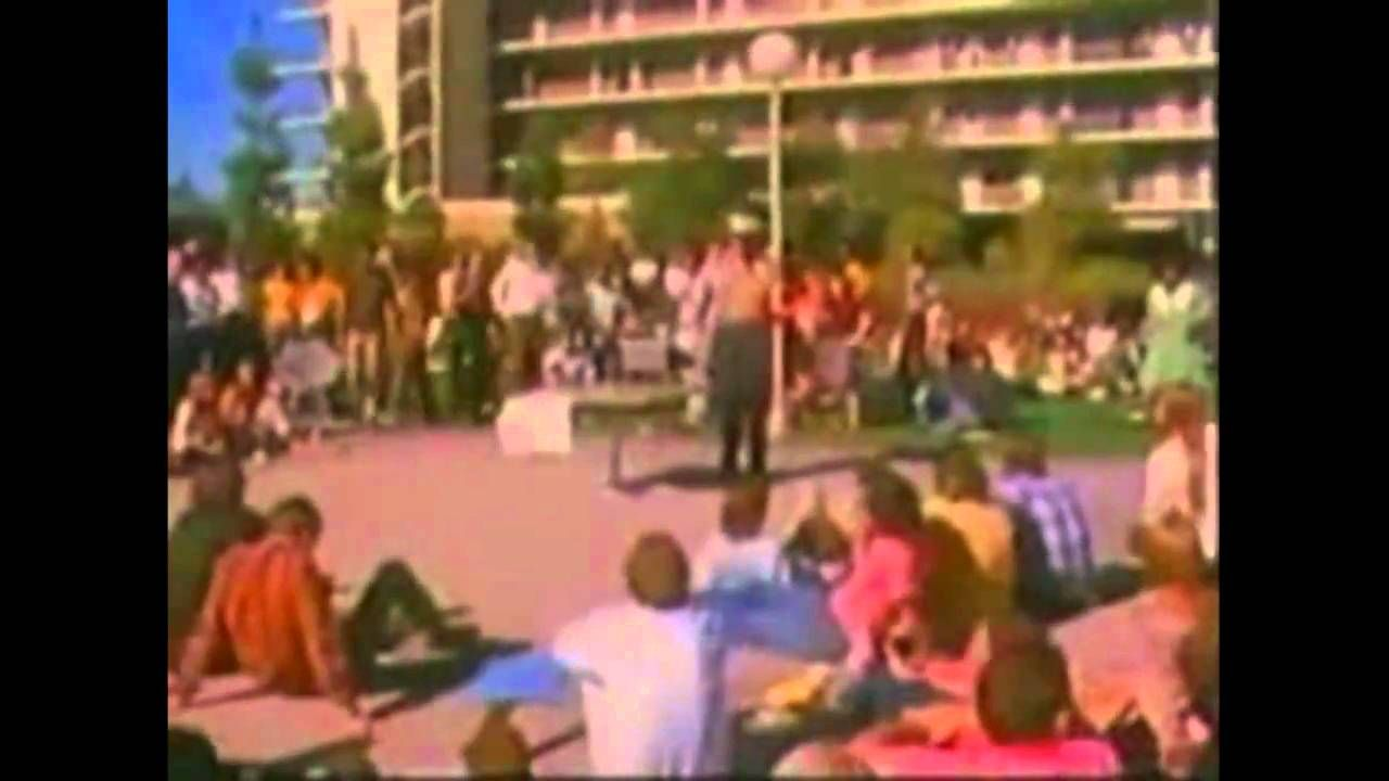 This documentary examines the turbulent life in California of political philosopher Herbert Marcuse (1898-1979), author of One-Dimensional Man, Reason and Re...