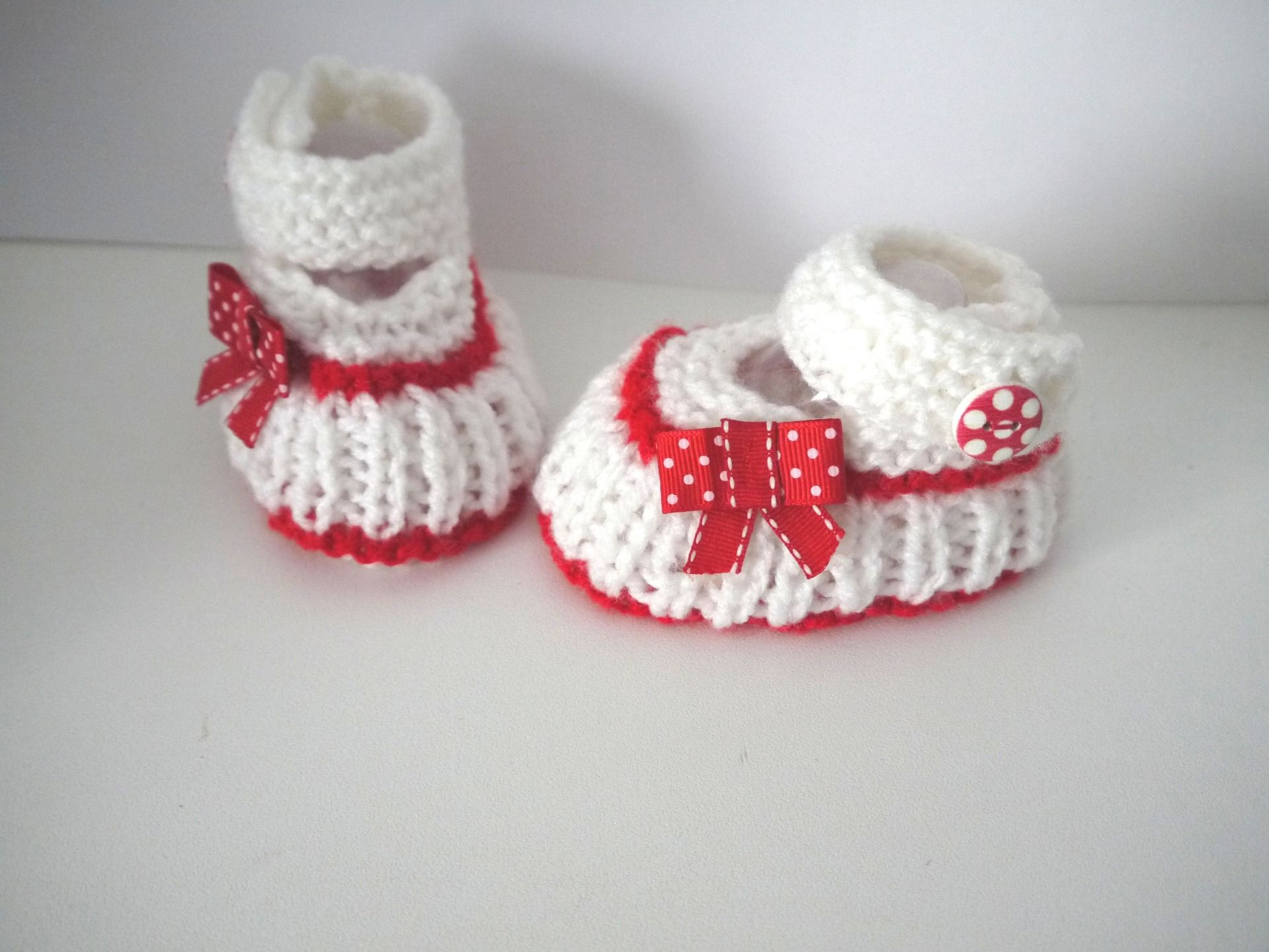 Tricoté à la main Chaussures de bébé en bébé bleu et blanc Premie nouveau-né 0-3 3-6 Et 6-9
