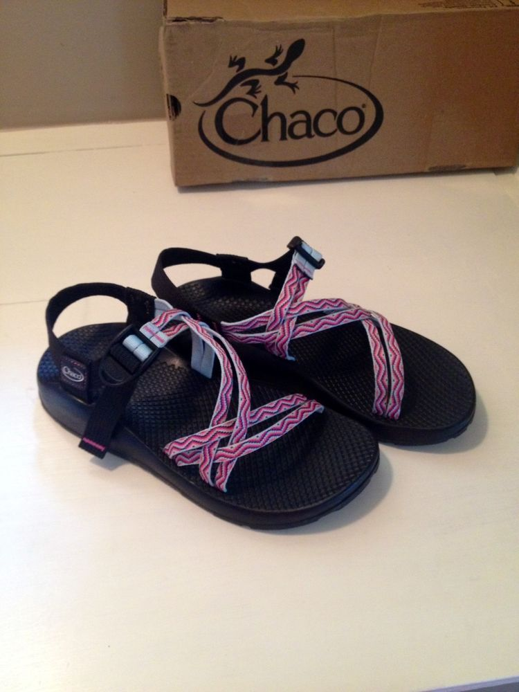 Women S Chaco Sandals Size 8 Chaco Strappy Flip Flops