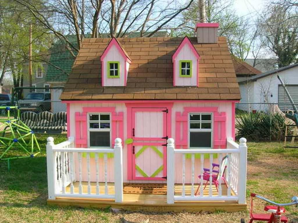 Diy girls and boys playhouse designs for backyard for Kids outdoor playhouse