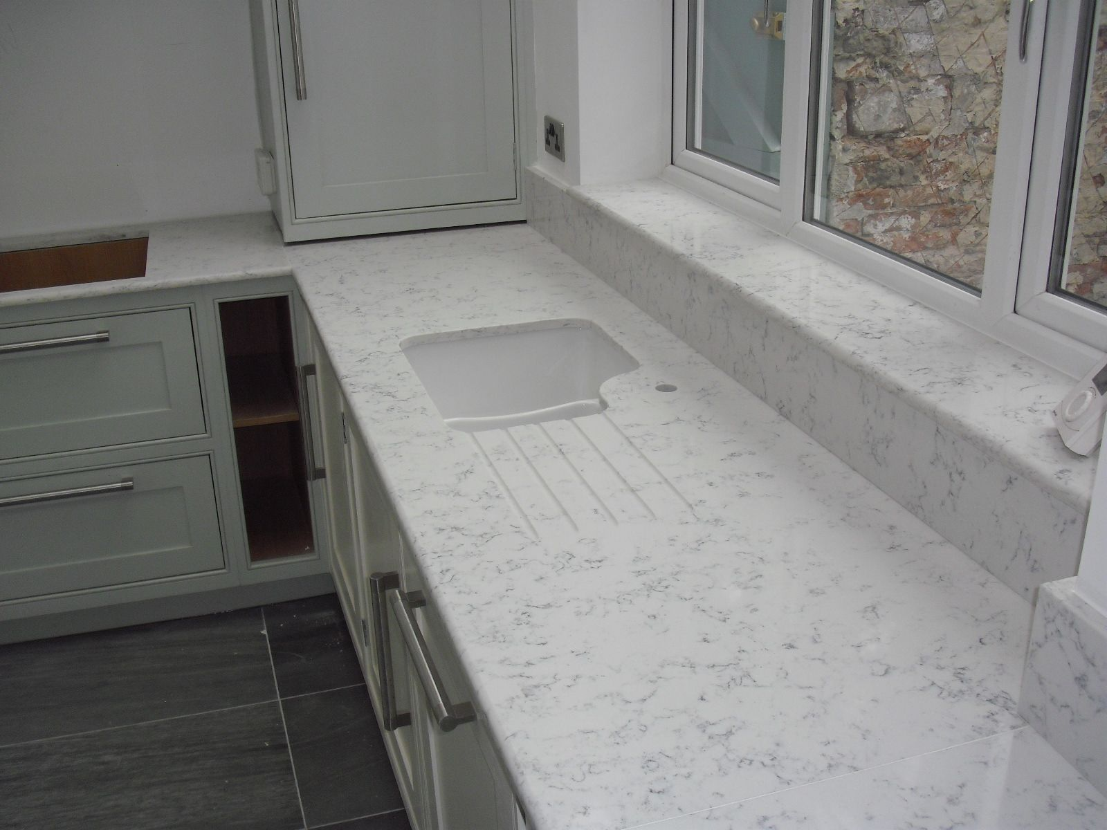 Lyra Quartz Worktops By Silestone Under The Window Sill In The Same Material Kitchen