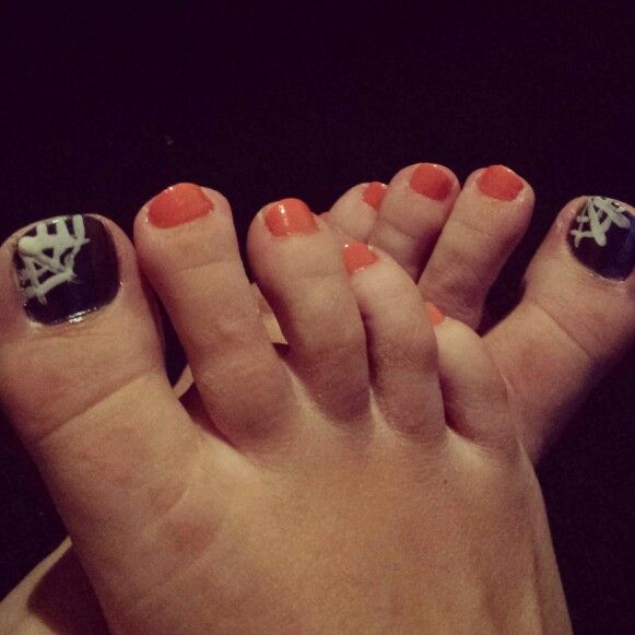 Halloween toenails | Fall nail colors, Toe nails, Fun nails