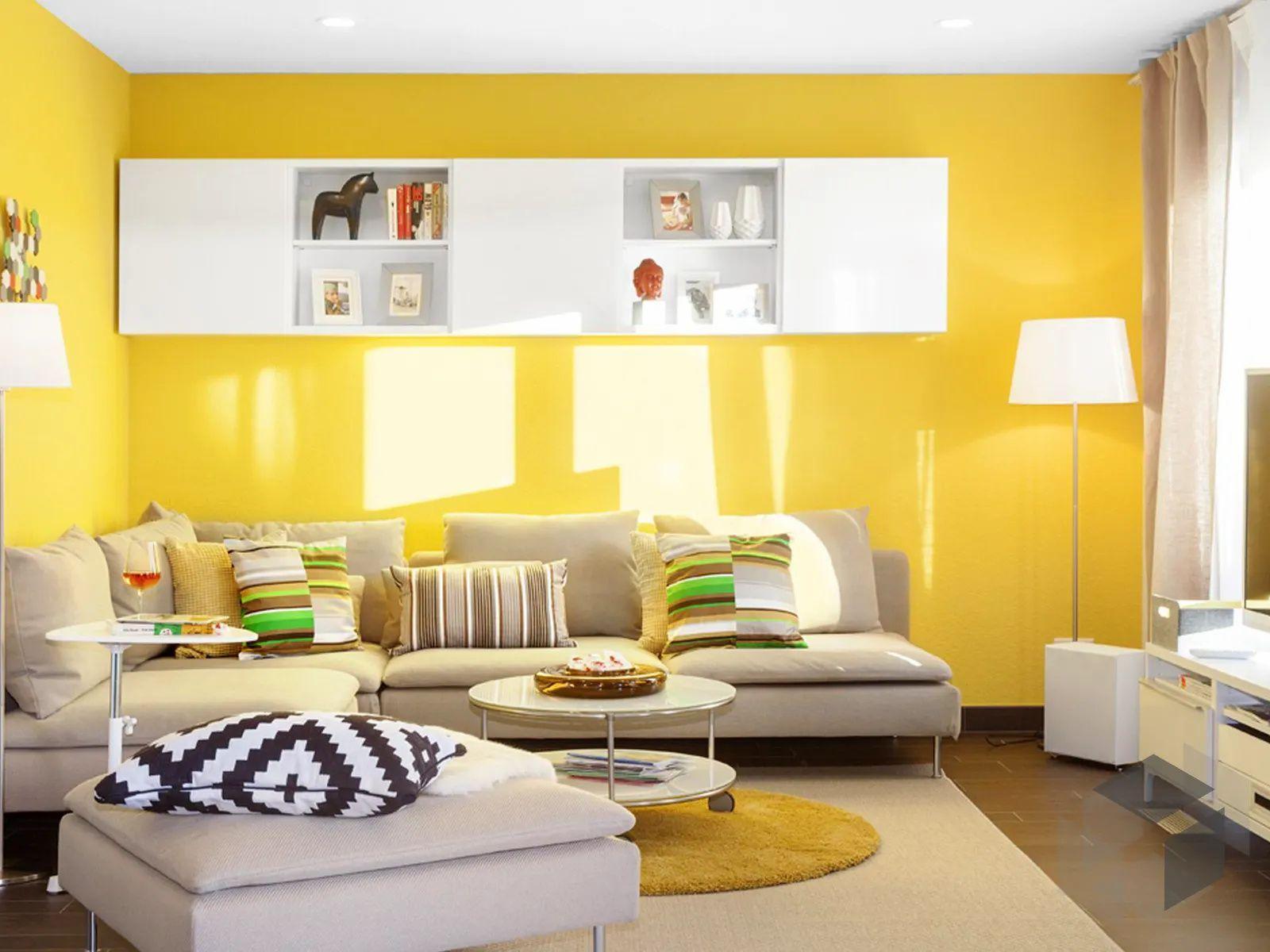 Gelbe Wand im Wohnzimmer Deko in 10  Schwörer haus, Wohnzimmer