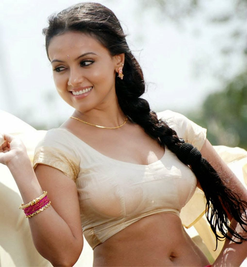 HOT SOUTH INDIAN ACTRESS: Actress Sana Khan Hot Sizzling