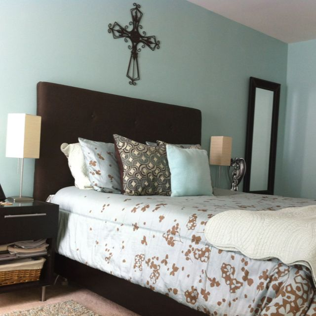 Light Blue And Brown Bedroom