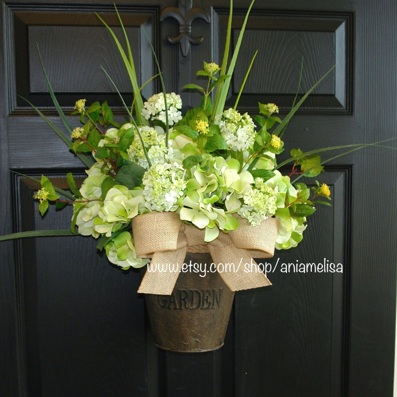 Photo of Articoli simili a ghirlanda primaverile ghirlande ghirlande all'aperto corone per ghirlande porta d'ingresso ghirlande di ortensie decorazioni estive su Etsy