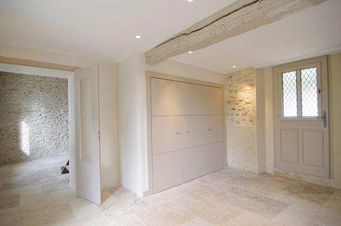 Maison en pierre intérieur avec murs en pierres apparentes murs