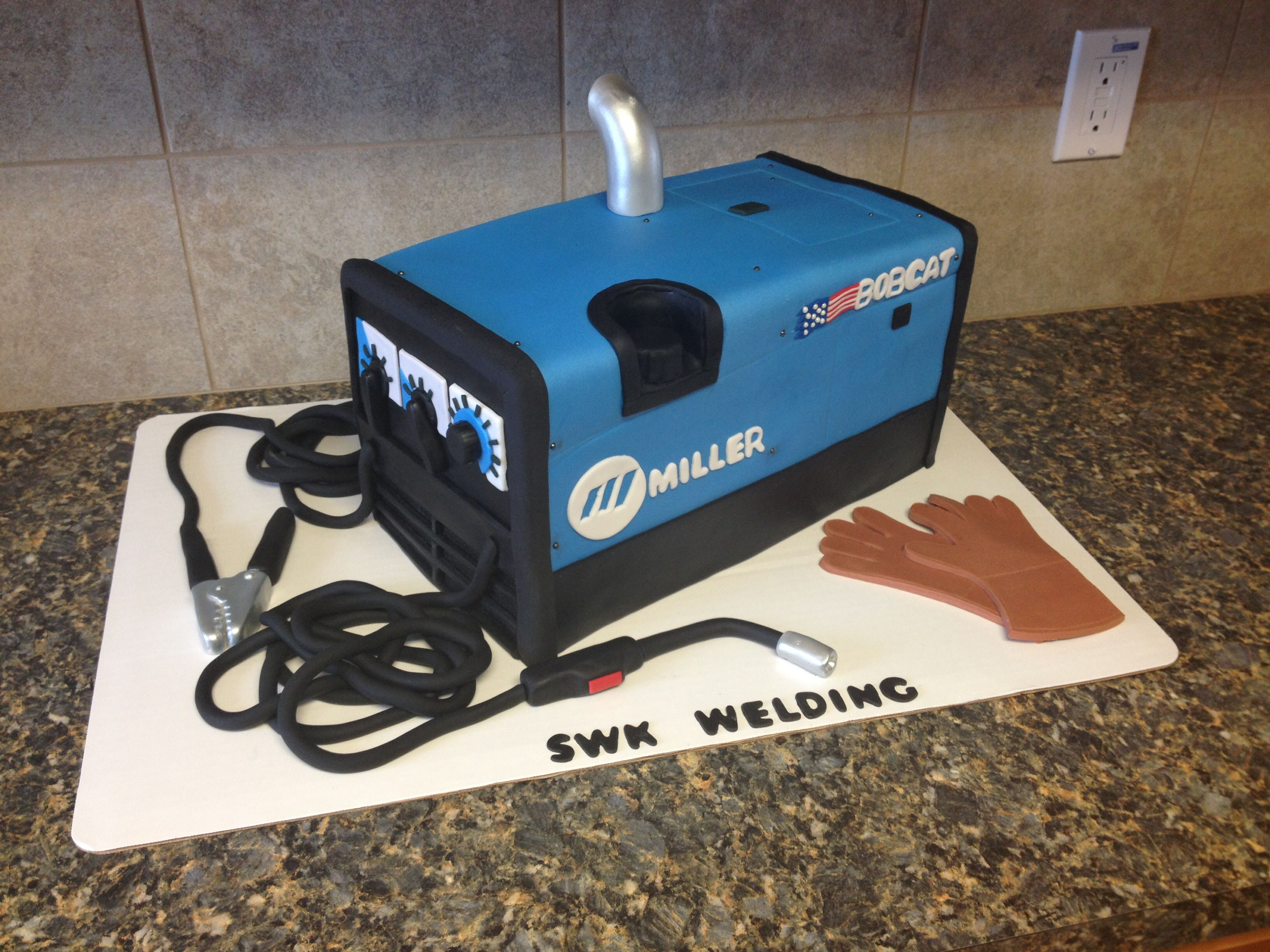 Welder cake. Che should do this for Ellys! You mean for dad ...