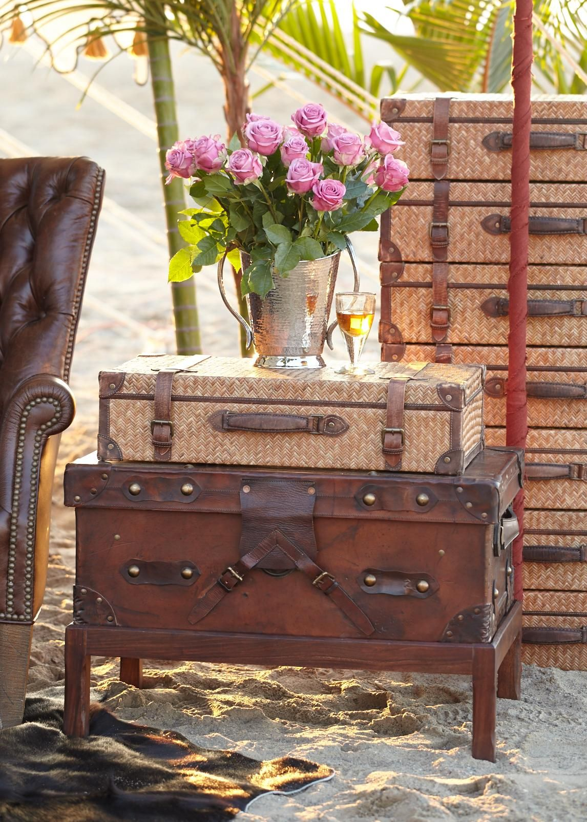 Couchtisch Colonial Vintage Inspired Trunks Truly Capture The Caravan Look Shop Our