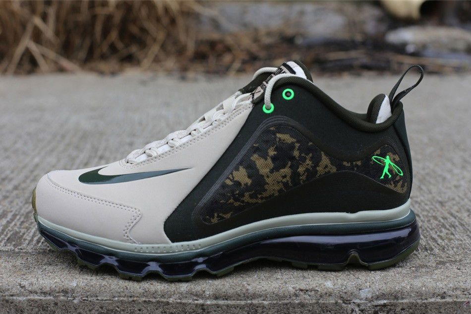 The latest drop of the Nike Air Griffey Max 360 is constructed with the  Hyperfuse section set in