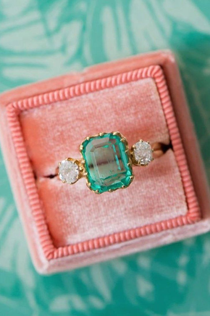 23 Engagement Rings For Wannabe Mermaids | Little Mermaid shoot ...