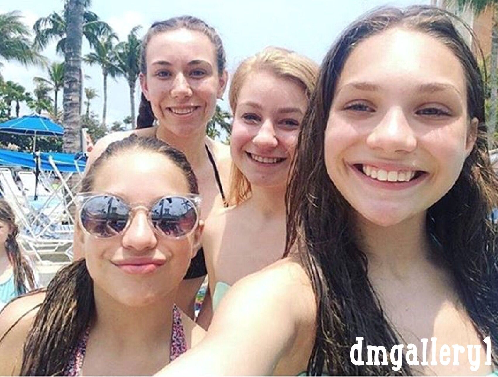 Mackenzie Ziegler with her sister Maddie and fans in Aruba