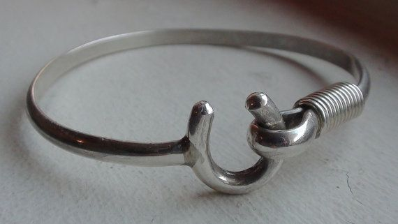 Vtg Horseshoe Lucky Symbol Sterling Silver Cuff Latch Hook Bracelet