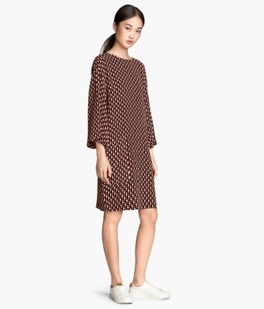 H&M Kleid mit Trompetenärmeln 39,99