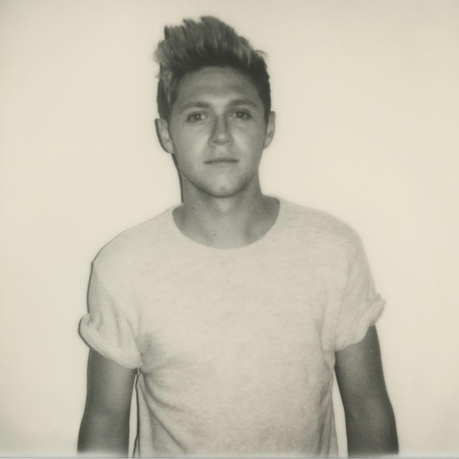 "Niall Horan (One Direction): a sorpresa il suo primo singolo da solista ""This Town"" - VI https://t.co/dxfyg0bSiv https://t.co/lMOU7DHOrH"