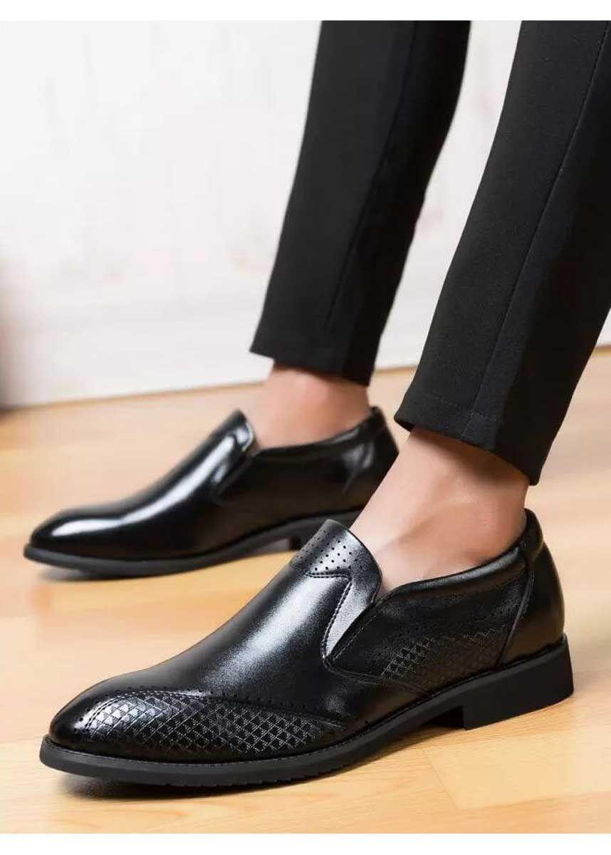 Black Brogue Check On Side Leather Slip On Dress Shoe Slip On Dress Shoe Black Brogues Dress Shoes Men [ 1200 x 858 Pixel ]