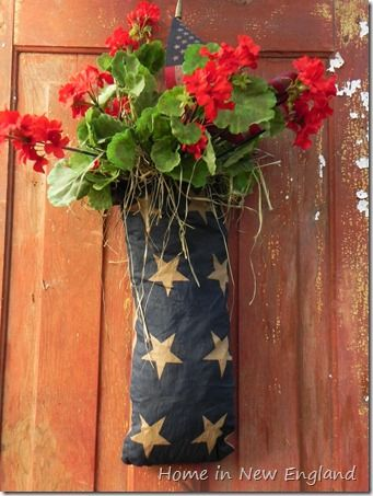 Americana wall pocket... perfect for the front door. SO NEED TO MAKE THIS!