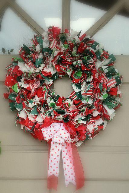 christmas fabric rag wreath welcoming wreaths door. Black Bedroom Furniture Sets. Home Design Ideas