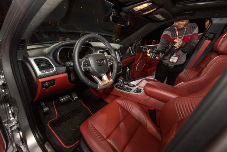 2018 Jeep Grand Cherokee Trackhawk Interior Jeep Grand Cherokee