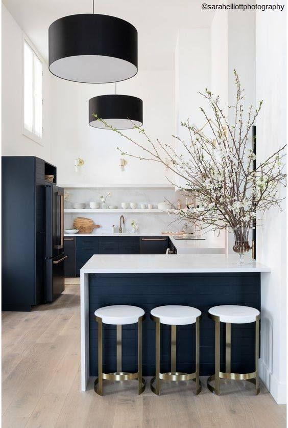 Cuisine Ouverte Cuisine Ouverte En 2020 Decoration Salon Cuisine Design De Cuisine Moderne Cuisine Moderne Blanche