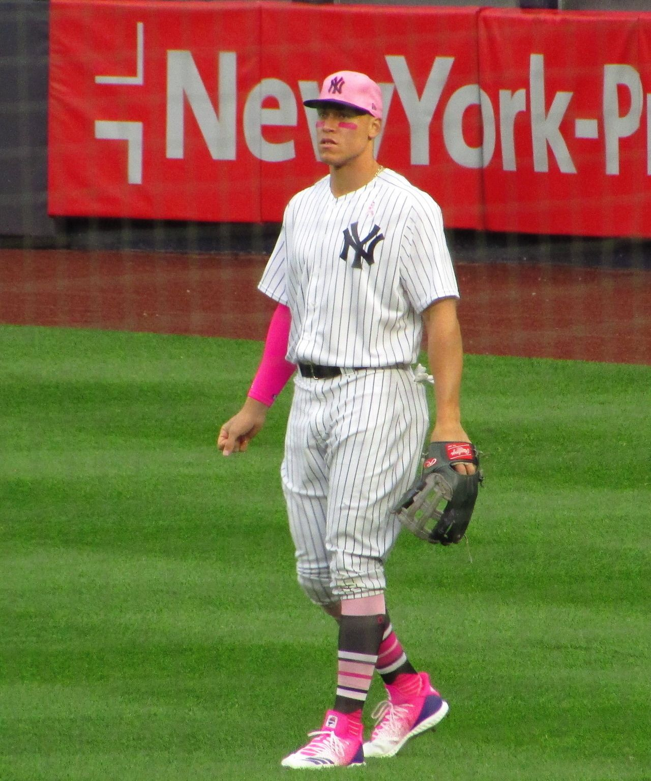5b64b48f Aaron on Mother's Day Game | baseball | Ny yankees, Yankees news ...