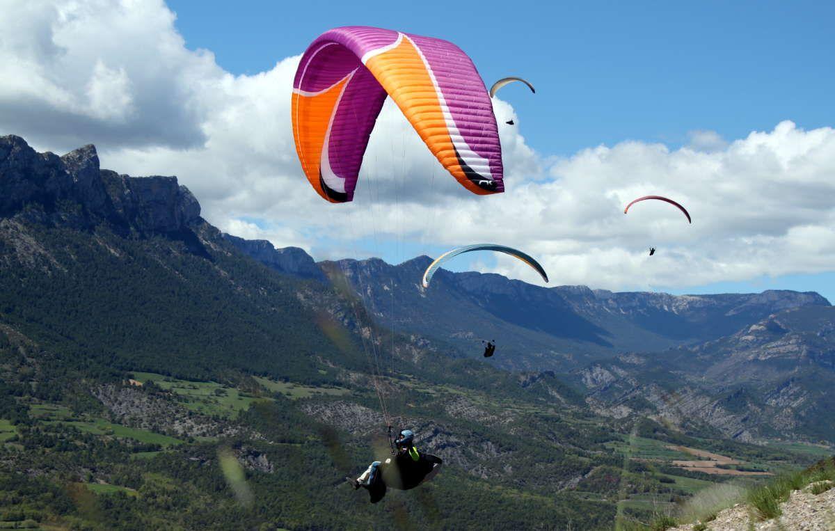 El vuelo en parapente es una buena opción para apreciar Tepoztlán.